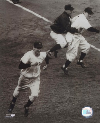 Framed Bobby Thomson - 1951 Home Run (rounding the bases) Print