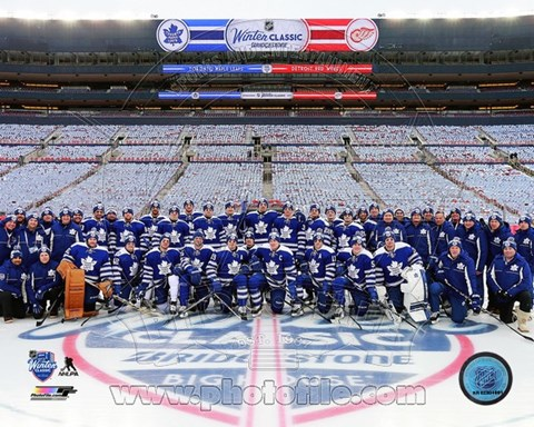 Framed Toronto Maple Leafs Team Photo 2014 NHL Winter Classic Print
