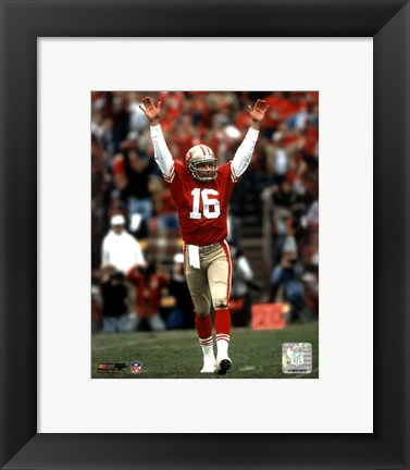 Framed Joe Montana - celebrating touchdown Print