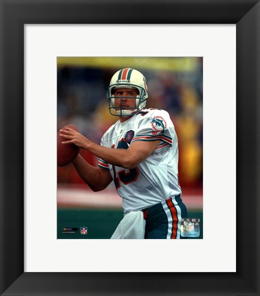 Framed Dan Marino - Close up, action Print