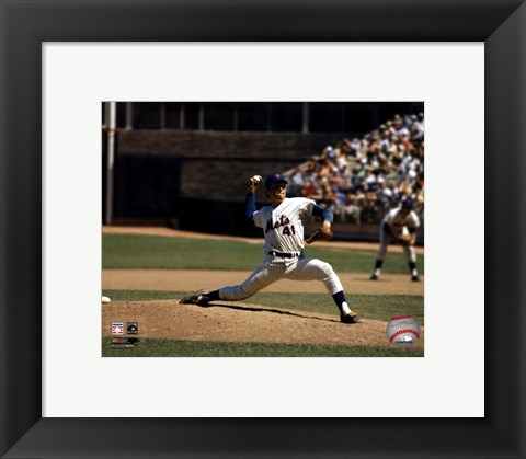 Framed Tom Seaver - Pitching Action Print