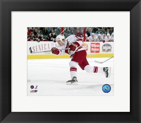 Framed Shane Doan - '05 / '06 Away Game Print