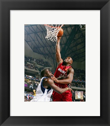 Framed Shaquille O'Neal - 2006 Finals / Game 1 Action (#4) Print