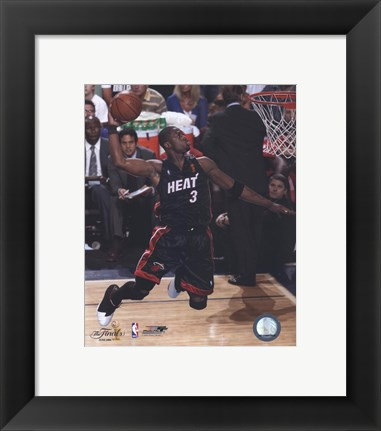 Framed Dwyane Wade - 2006  Finals / Game 2 Dunk (#13) Print