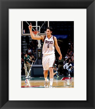 Framed Andrew Bogut - '06 / '07 Action Print