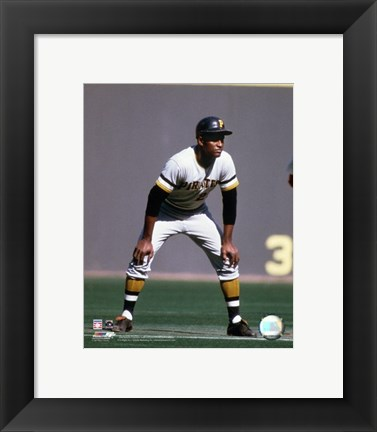 Framed Roberto Clemente - 1970 Action Print