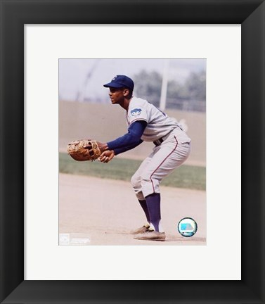 Framed Ernie Banks - Fielding Print