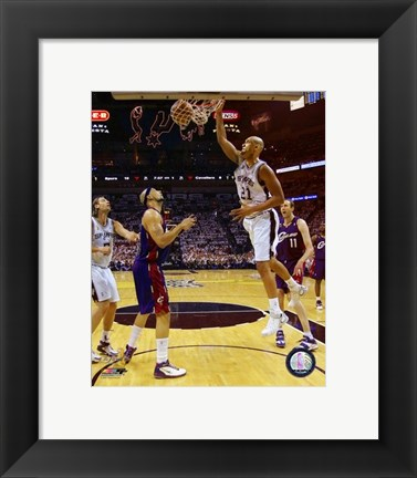 Framed Tim Duncan - 2007 Finals  / Game 1 Action (#4) Print
