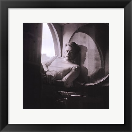 Framed James Dean, New York, 1954 Print