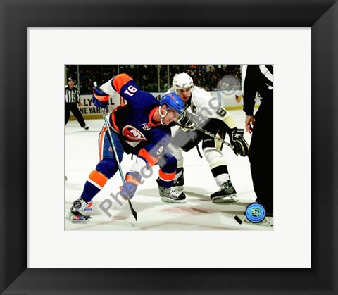 Framed John Tavares & Sidney Crosby 2009-10 Action Print