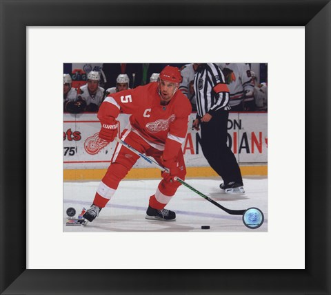 Framed Nicklas Lidstrom 2009-10 Action Print