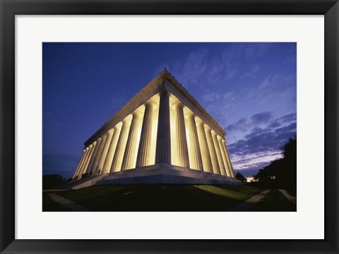 Framed Low angle view of the Lincoln Memorial lit up at night, Washington D.C., USA Print
