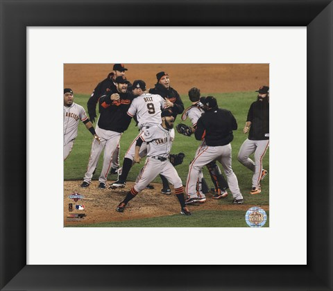 Framed San Francisco Giants Winning Game 4 of the 2012 World Series Print