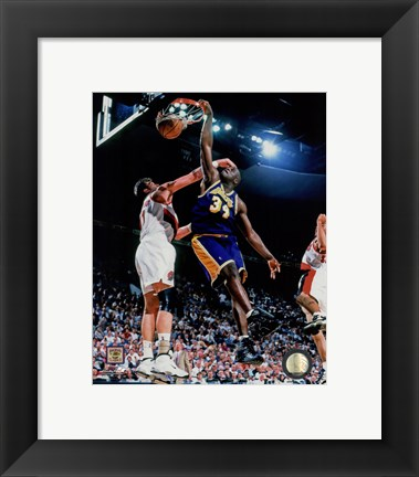 Framed Shaquille O'Neal 1997-98 Action Print