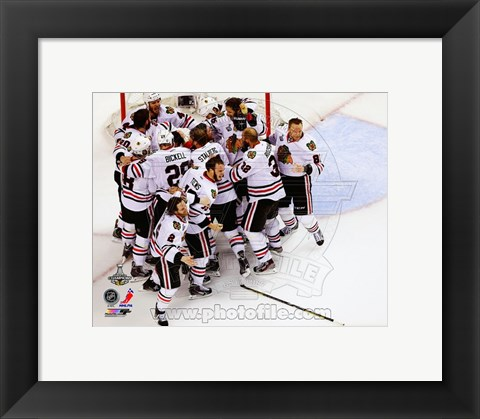 Framed Chicago Blackhawks celebrate winning Game 6 of the 2013 Stanley Cup Finals Print
