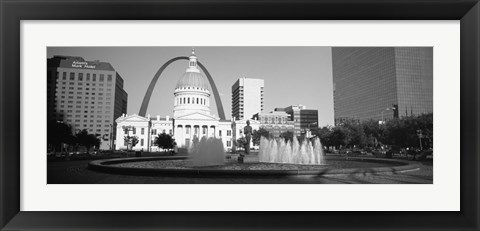 Framed Fountain In Front Of A Government Building, St. Louis, Missouri, USA Print