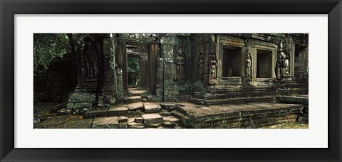 Framed Ruins of a temple, Banteay Kdei, Angkor, Cambodia Print