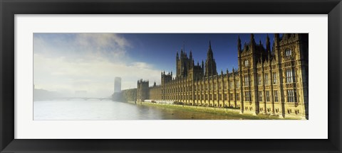 Framed Government building at the waterfront, Houses Of Parliament, Thames River, London, England Print