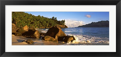 Framed Waves splashing onto rocks on North Island with Silhouette Island in the background, Seychelles Print