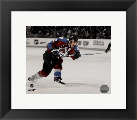 Framed Joe Sakic 2007-08 Spotlight Action Print
