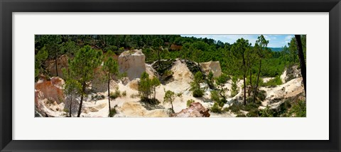 Framed High angle view of eroded red cliffs, Roussillon, Vaucluse, Provence-Alpes-Cote d'Azur, France Print