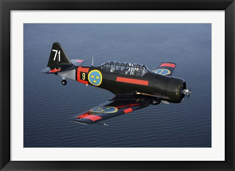 Framed North American T-6Texan/Harvard trainer warbird in Swedish Air Force colors Print