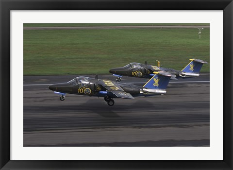 Framed Saab 105 jet trainers on the strip Print