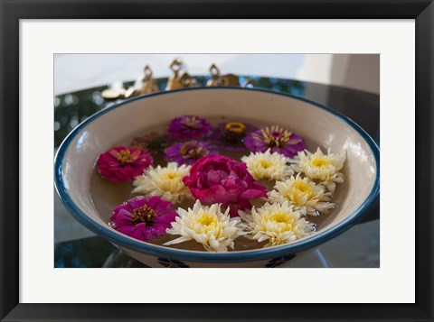 Framed Flowers in a bowl, Rawal Jojawar Hotel, Jojawar, Rajasthan, India. Print