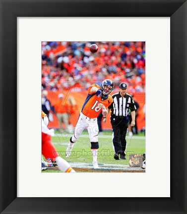 Framed Peyton Manning 2014 Passing the ball Print