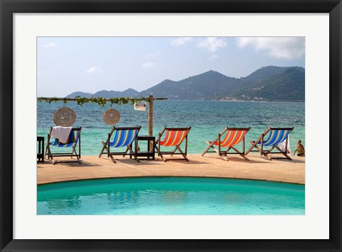 Framed Swimming pool, Gulf of Thailand at Chaweng beach, Ko Samui, Thailand Print