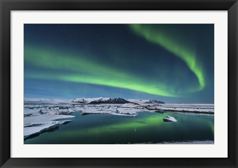 Framed Northern Lights over the Glacier Lagoon in Iceland Print