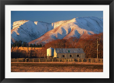Framed Woolshed and Kakanui Mountains, Otago, New Zealand Print