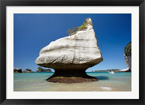 Framed Rock formation, Mares Leg Cove, North Island, New Zealand Print