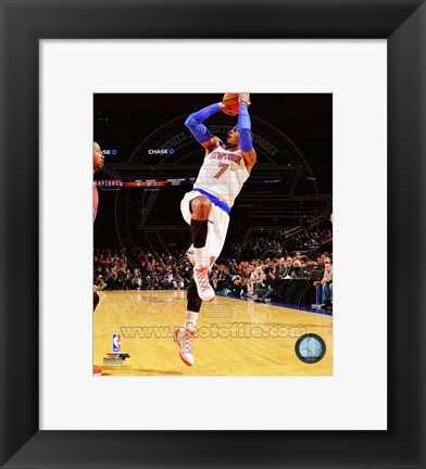 Framed Carmelo Anthony shooting 2014-15 Print