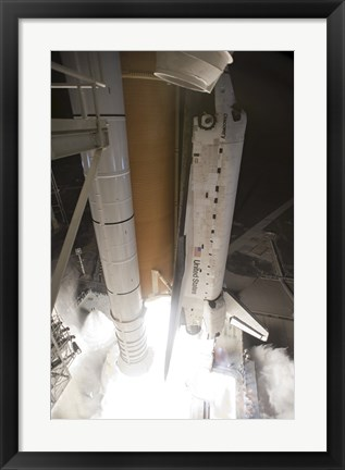 Framed Space shuttle Discovery lifts off from Launch Pad 39A Print