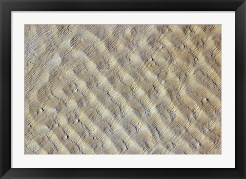 Framed Sand dunes in the Fachi-Bilma erg (sand sea) in the Central-Eastern part of the Tenere Desert Print