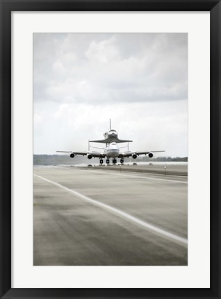 Framed Space shuttle Discovery Sits Atop the Boeing 747 Shuttle Carrier Aircraft Print