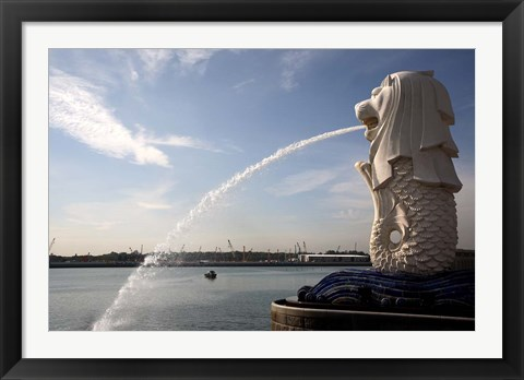 Framed Singapore Merlion statue in the Merlion Park Print