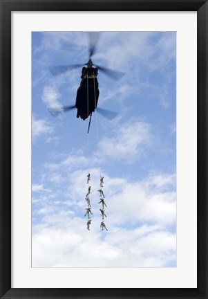 Framed US Soldiers Suspended by a CH-47 Chinook Print