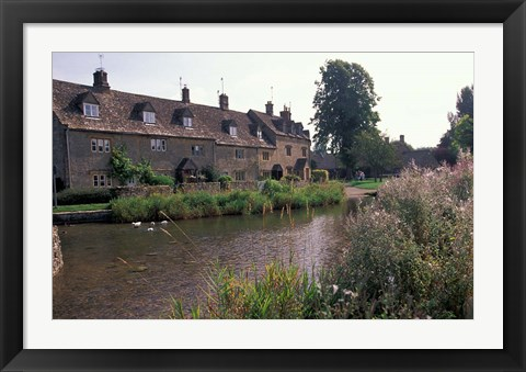 Framed Lower Slaughter, Cotswolds, Gloucestershire, England Print