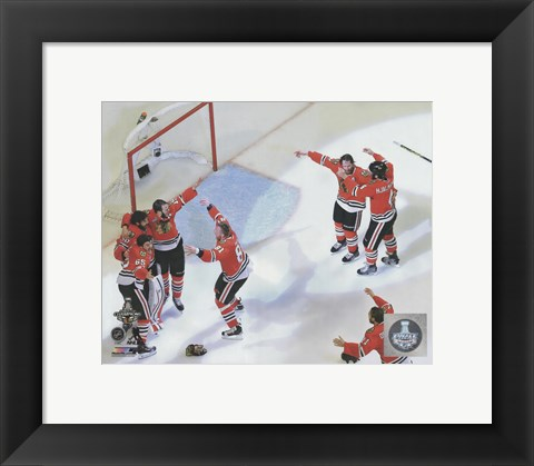Framed Chicago Blackhawks celebrate winning Game 6 of the 2015 Stanley Cup Finals Print