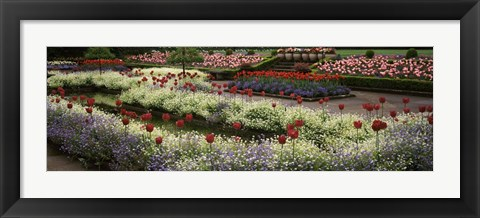 Framed Butchart Gardens, Brentwood Bay, Vancouver Island, Canada Print