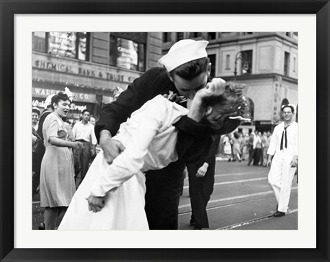 Framed Kissing the War Goodbye in Times Square, 1945 (detail) Print