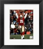 Framed Joe Montana - celebrating touchdown