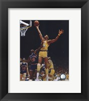 Framed Wilt Chamberlain - Rim action