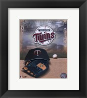 Framed Minnesota Twins - '05 Logo / Cap and Glove