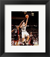 Framed Manu Ginobili - '06 / '07 Action