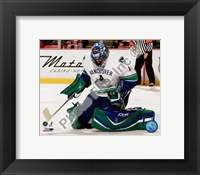 Framed Roberto Luongo 2007-08 Action
