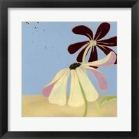 Garden Glimmer I Framed Print