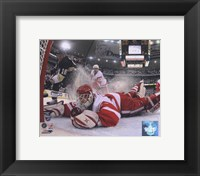 Framed Chris Osgood in Game 6 of the 2008 NHL Stanley Cup Finals; Action #25